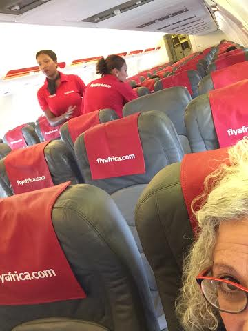 Not doing a selfie, just checking out who sits where in the plane ...