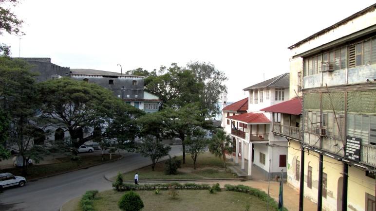 Kelele Square