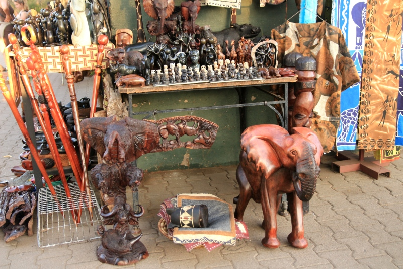 More curios to buy ...